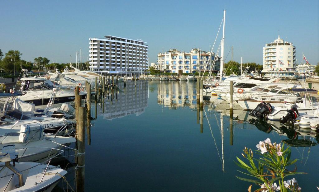 Studio Matteoni - Punta Corona Suite Hotel
